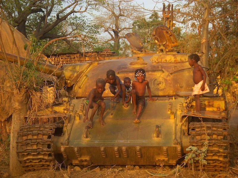 冷戦後アフリカの紛争と平和構築の課題 ―日本のアフリカ外交への示唆―